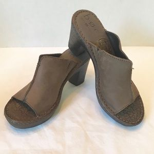Born BOC Brown Leather Heeled Sandals 7 / 38